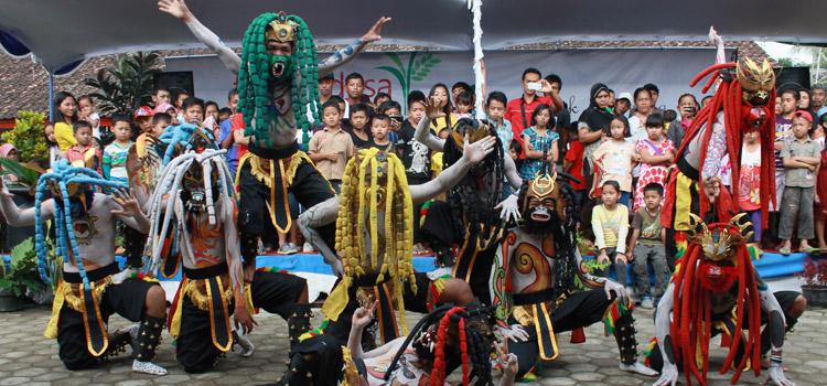 Forum Desa Nusantara, Sebuah Deklarasi Kemerdekaan Desa (Sebuah Catatan Ari Hendra Lukmana, salah seorang peserta FDN 2014)