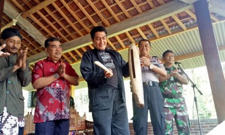 BUPATI MAGELANG RESMIKAN PASAR TEMON PINGGIR SAWAH DESA SAMBAK