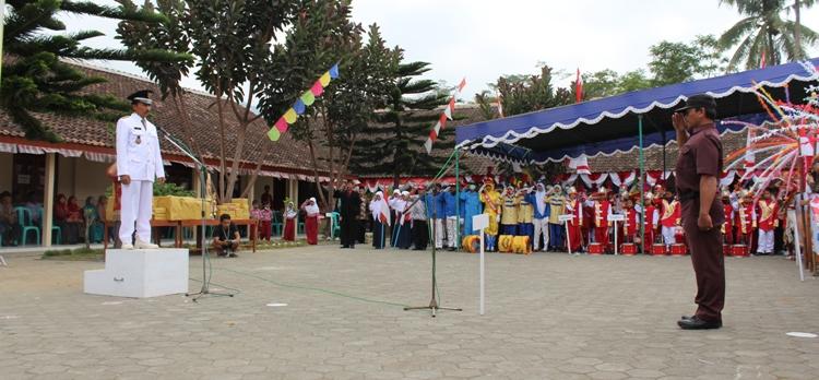 Peringatan HUT RI ke-70 di Desa Sambak Berlangsung Meriah