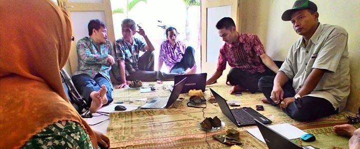 Pemdes Sambak Mengikuti Workshop Penulisan Konten Website Desa