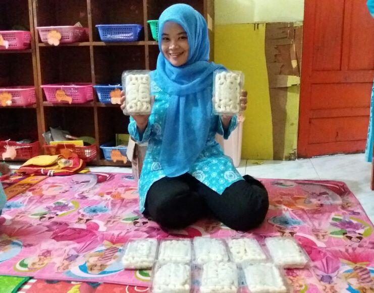 Geblek, Makanan Tradisional khas Sambak yang Legendaris kini dijual Secara Online.